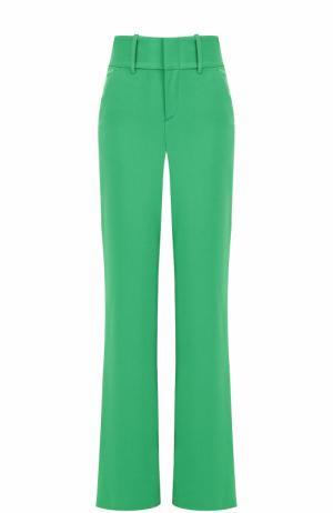 Расклешенные брюки с завышенной талией Alice + Olivia. Цвет: зеленый