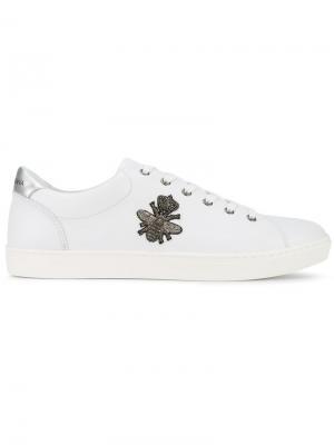 Кеды с вышивкой пчел Dolce & Gabbana. Цвет: белый