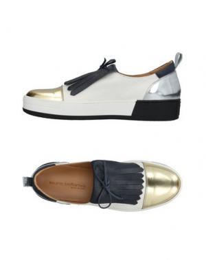 Низкие кеды и кроссовки LAURA BELLARIVA. Цвет: белый
