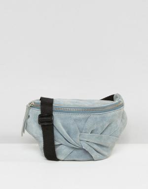 ASOS Замшевая сумка-кошелек на пояс с бантом. Цвет: синий