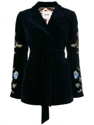 Пиджак под пояс с вышивкой Bazar Deluxe. Цвет: синий
