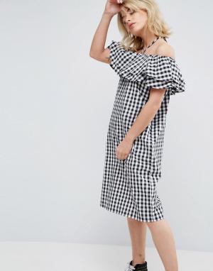 Chorus Клетчатое платье с широким вырезом, оборками и завязкой на шее. Цвет: черный