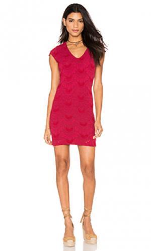 Платье с короткими рукавами и глубоким v-образным вырезом Nightcap. Цвет: красный