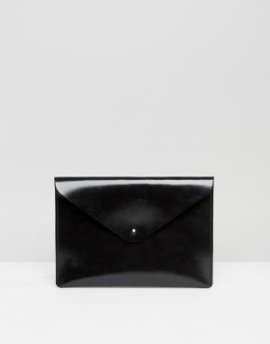 Leather Satchel Company Черный лакированный клатч. Цвет: черный