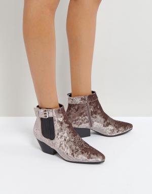 QUPID Бархатные ботинки в стиле вестерн на низком каблуке. Цвет: серый