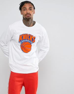 Mitchell & Ness Лонгслив NBA New York Knicks. Цвет: белый