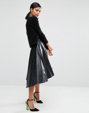 ASOS Короткая расклешенная юбка из искусственной кожи. Цвет: черный