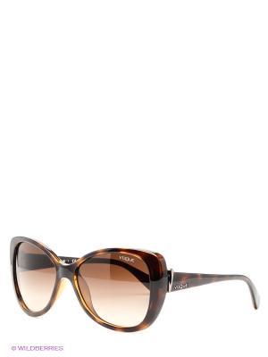 Очки солнцезащитные Vogue. Цвет: темно-коричневый