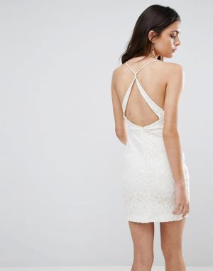 WYLDR Кружевное платье с вырезом на спине Hands Down. Цвет: кремовый