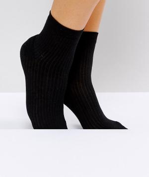 ASOS Однотонные носки в рубчик. Цвет: черный