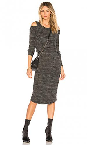 Платье свитер double layer MONROW. Цвет: уголь