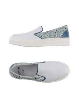 Низкие кеды и кроссовки GUTTHA. Цвет: белый
