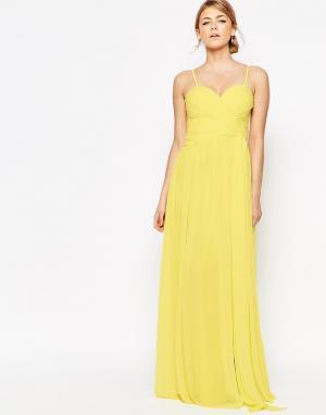 Forever Unique Платье макси с вырезом сердечком и запахом на юбке. Цвет: желтый