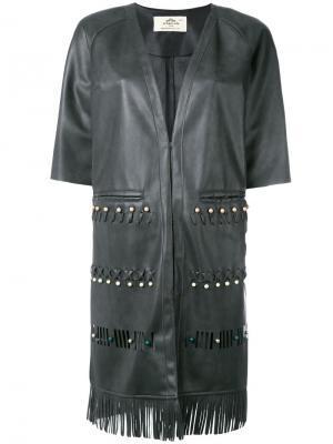Пальто с короткими рукавами и бахромой Urbancode. Цвет: серый