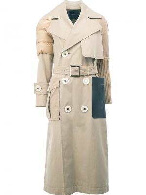 Пальто миди со стегаными плечами Undercover. Цвет: телесный