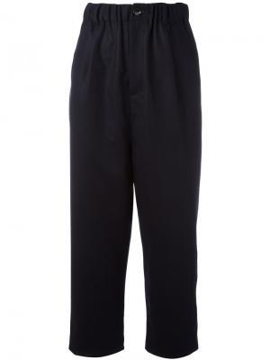 Укороченные брюки Zucca. Цвет: синий