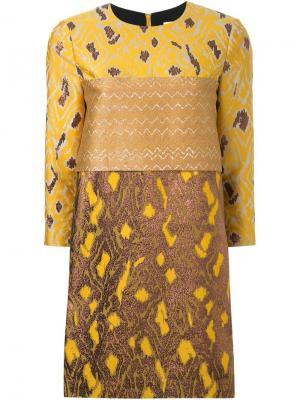 Платье-шифт с парчовым узором Scanlan Theodore. Цвет: коричневый
