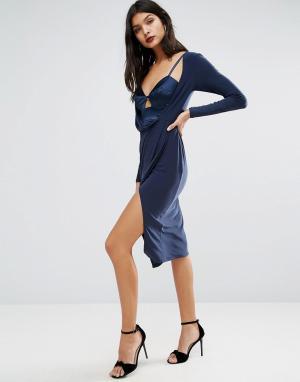 ASOS Платье миди из крепа с атласной вставкой-бюстье, запахом и длинными ру. Цвет: темно-синий