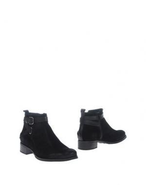 Полусапоги и высокие ботинки TREMP. Цвет: черный