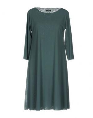 Короткое платье ALMERIA. Цвет: зеленый