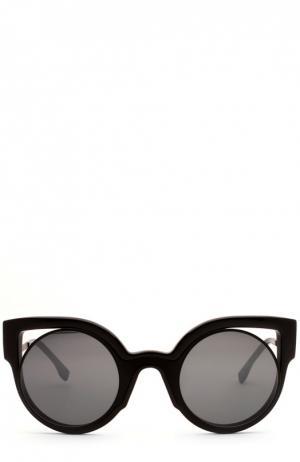 Солнцезащитные очки Fendi. Цвет: черный
