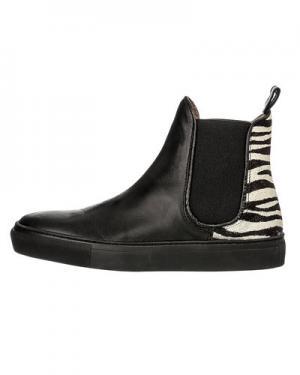 Ботинки Tango. Цвет: зебра
