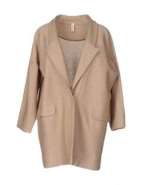 Легкое пальто WETPAINT. Цвет: песочный