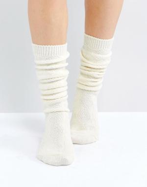 ASOS Длинные носки. Цвет: кремовый