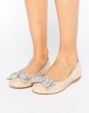 Faith Декорированные туфли на плоской подошве Ackley. Цвет: бежевый