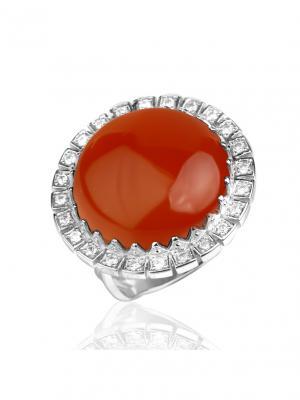 Классическое кольцо с сердоликом и фианитами KU&KU. Цвет: серебристый, рыжий
