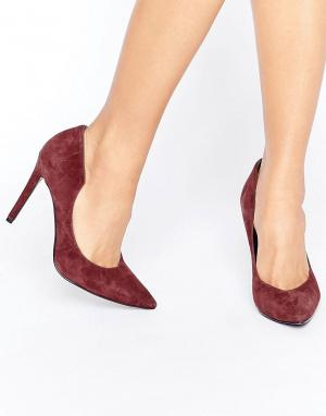 Kendall + Kylie Бордовые замшевые туфли-лодочки. Цвет: красный