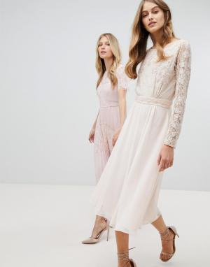 Amelia Rose Платье миди с кружевным топом и длинными рукавами. Цвет: розовый