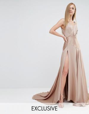 Fame and Partners Атласное платье макси с высоким разрезом Royal. Цвет: бежевый