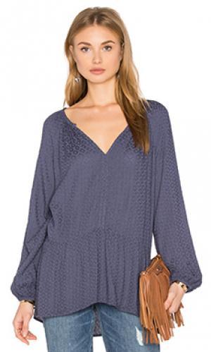 Блуза с длинным рукавом и рюшами внизу dahl Velvet by Graham & Spencer. Цвет: аспидно-серый