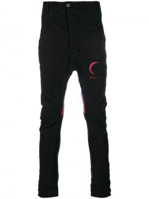 Асимметричные брюки с заниженной проймой 11 By Boris Bidjan Saberi. Цвет: чёрный