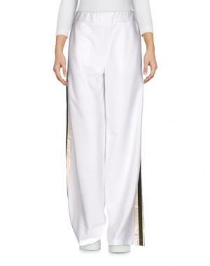 Повседневные брюки PETER A & CHRONICLES. Цвет: белый