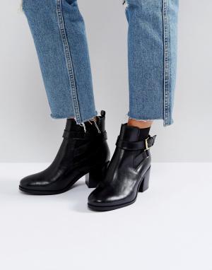 Carvela Ботинки на каблуке с пряжками ремешках. Цвет: черный