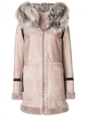 Пальто с капюшоном и искусственным мехом Urbancode. Цвет: телесный