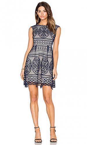 Приталенное расклёшенное платье lady like Lumier. Цвет: синий