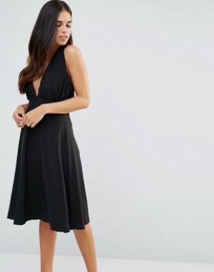 Hedonia Приталенное платье миди с халтером. Цвет: черный