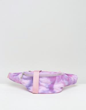 ASOS Сумка-кошелек на пояс с принтом тай-дай BEACH. Цвет: розовый