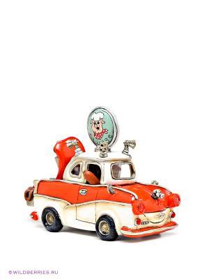 Машина Trabant Sausage Guy The Comical World of Stratford. Цвет: красный, белый