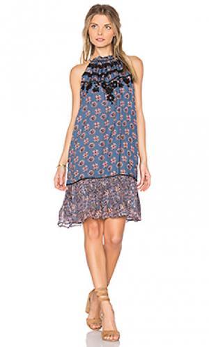 Короткое платье lucia Carolina K. Цвет: синий