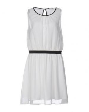 Короткое платье SPARKZ. Цвет: белый