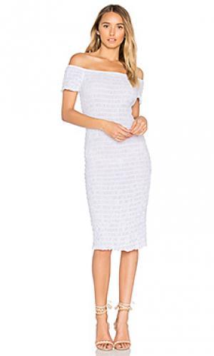Жатое платье LACAUSA. Цвет: белый
