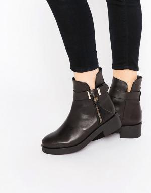 Miista Ботинки с пряжкой на плоской подошве Bronx. Цвет: черный