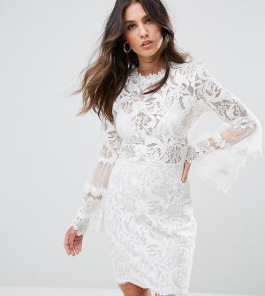 Lioness Кружевное платье с рукавами клеш. Цвет: белый