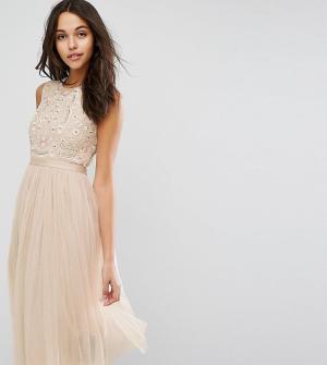 Needle & Thread Платье миди из тюля с вышивкой Prarie. Цвет: бежевый