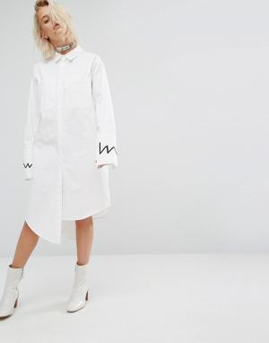 KKXX Платье-рубашка со ступенчатой кромкой. Цвет: белый