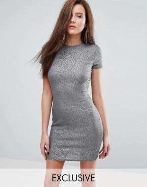 Club L Короткое платье-футболка. Цвет: серый